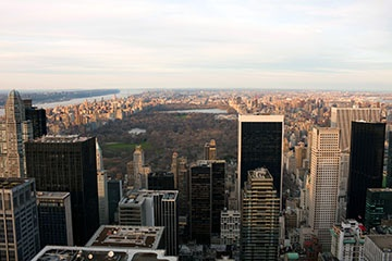 horizontal-aerial-view-of-central-park-during-the-fall-or-winter-months_LOW